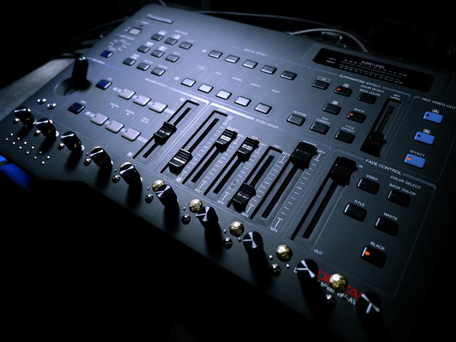 glitch-art-video-mixer_panasonic_wj_ave5_bpmc